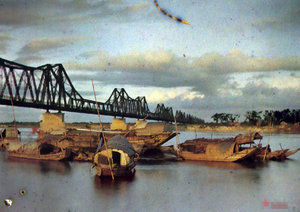 Long Biên bridge (1915)