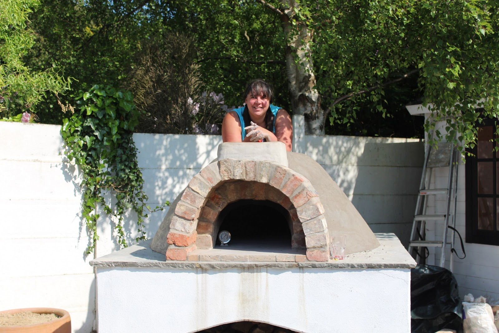 CLAY OVEN BUILDING YOUR WOOD FIRED PIZZA OVEN