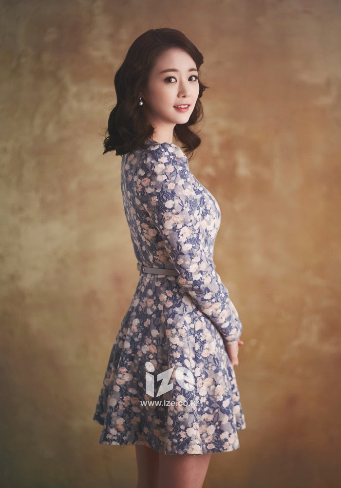 Son Yeo Eun - Ize Magazine March 2014
