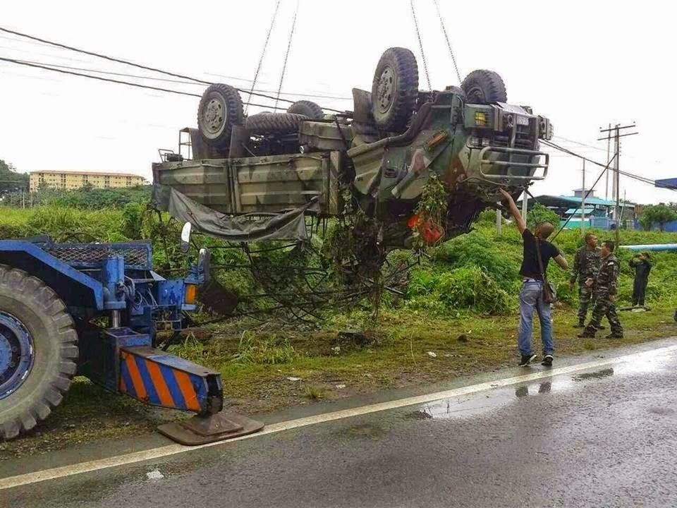 Trak Tentera Terbalik Di Lahad Datu Korbankan Seorang Anggota , info, terkini, berita, nahas jalan raya, kemalangan, Lahad Datu