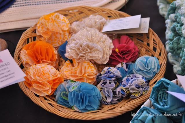 брошь-цветок, kangaskukka, kangaskukat, rintaneula, fabric flower brooch