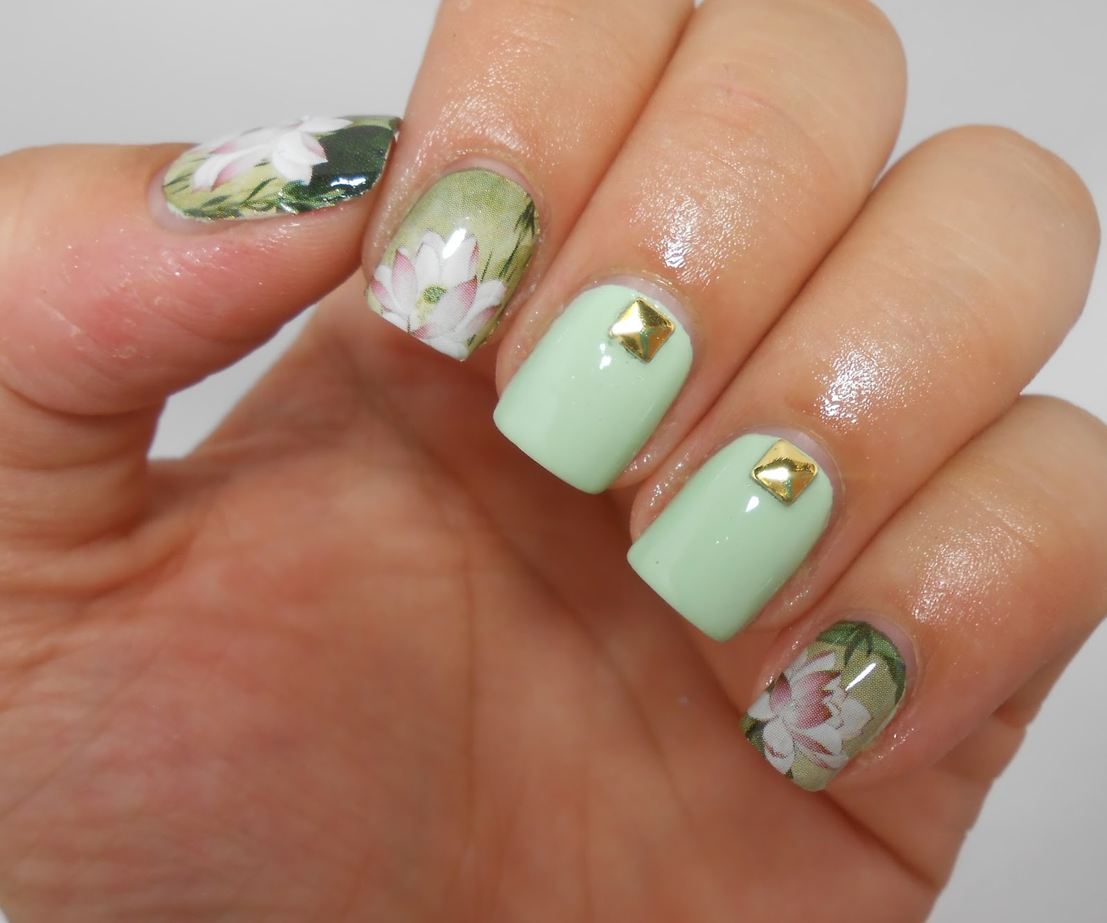 Design your own nail art stickers – Great photo blog about manicure 2017