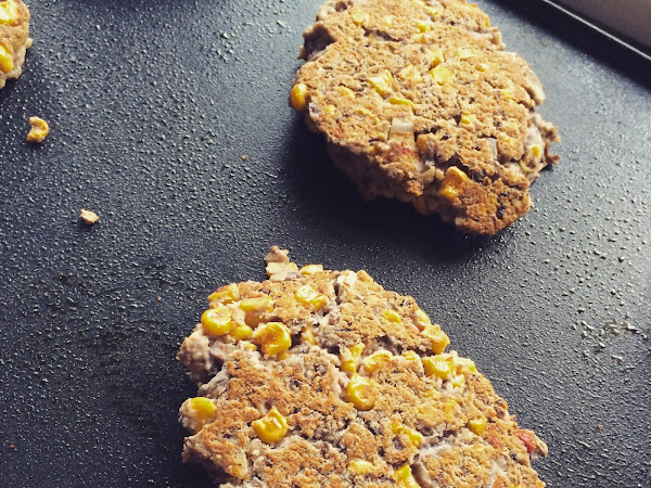 Homemade Spicy Black Bean Veggie Burgers