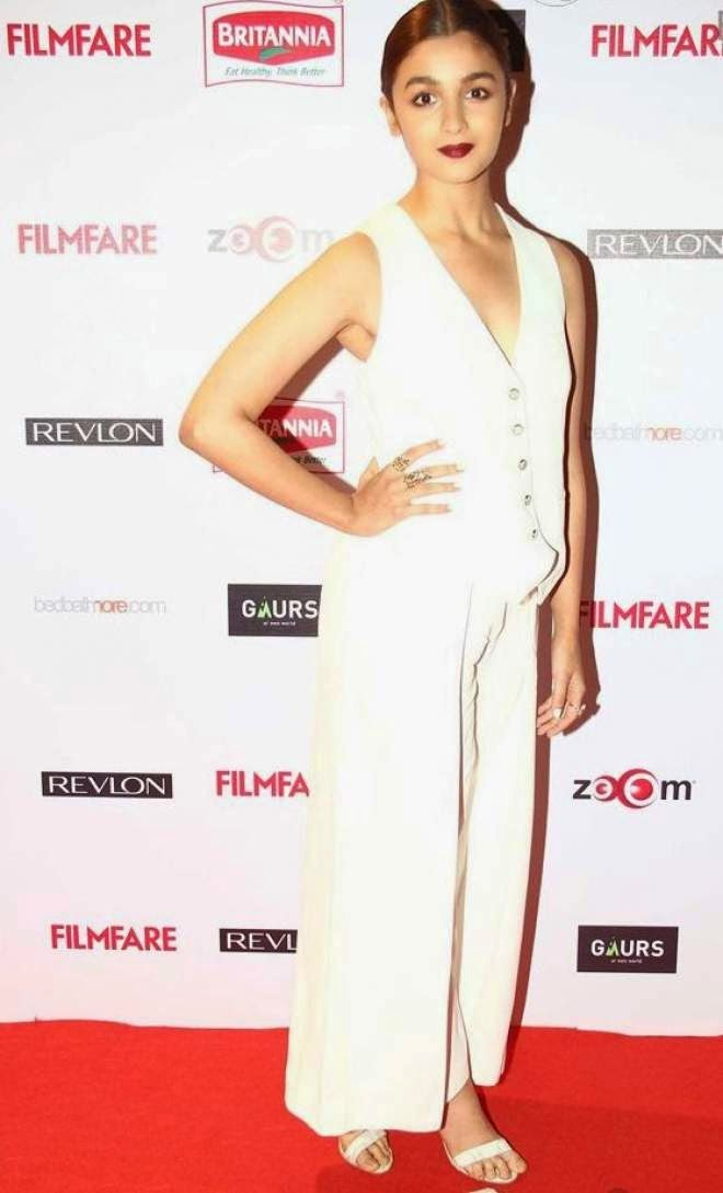 Alia Bhatt Latest Photos in Filmfare Pre Awards