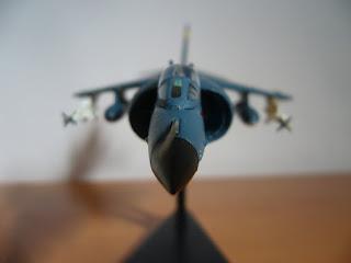 avión en miniatura 1/100 Sea Harrier de Italeri