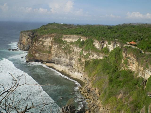 Objek Wisata Pura Luhur Uluwatu Pecatu Bali 5