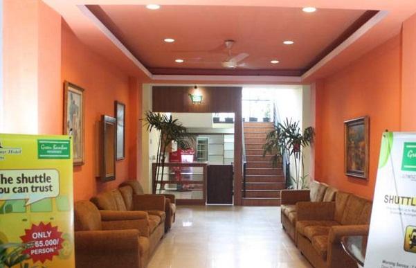 Hotel Yang Kedua Adalah Green Bamboo Residence Penginapan Ini Berlokasi Di Jalan Anggrek 4 Nomor 47 Jakarta Selatan Menyediakan 99 Kamar Nyaman