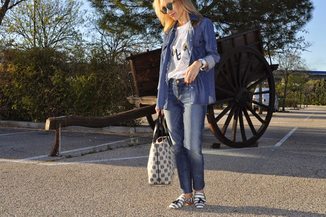Combinar denim on denim , Paige Denim jeans, Mango shirt, Loewe Tote bag