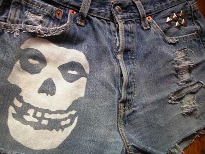 diy-punk-horror-spodenki-misfits-gothic