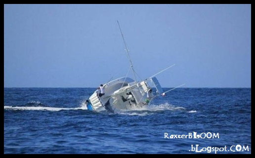 Kapal yang Tenggelam Akibat Memancing Ikan ini - raxterbloom.blogspot.com