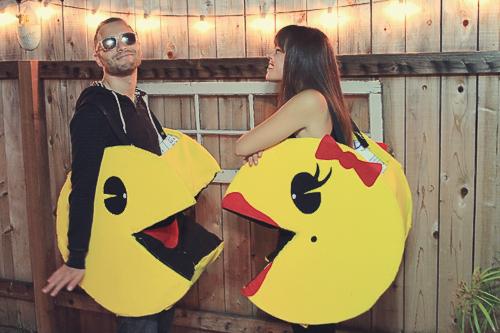 Couples Halloween Costume: DIY Pacman