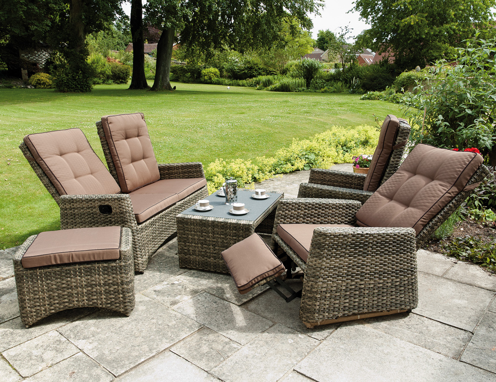 Outdoor sofa furniture designs an interior design for Designer garden furniture