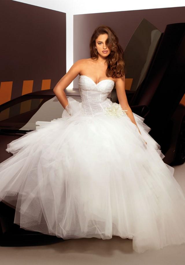 Bellos vestidos de novia | Coleccion Irina Shayk