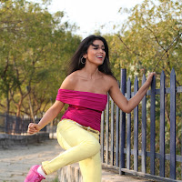 Shriya latest hot erotic looking stills from pavitra movie