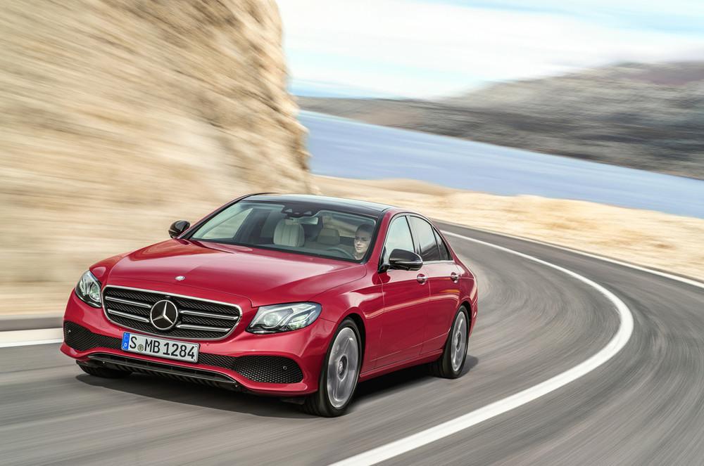2017-Mercedes-E-Class-22.jpg