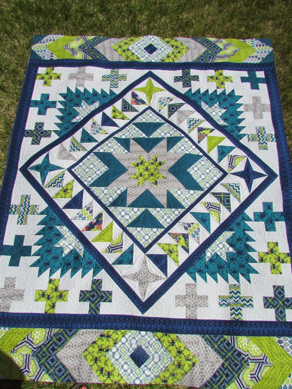 The Quilting Mill: Rustique Medallion Quilt by Emily Herrick : emily patchwork quilt - Adamdwight.com