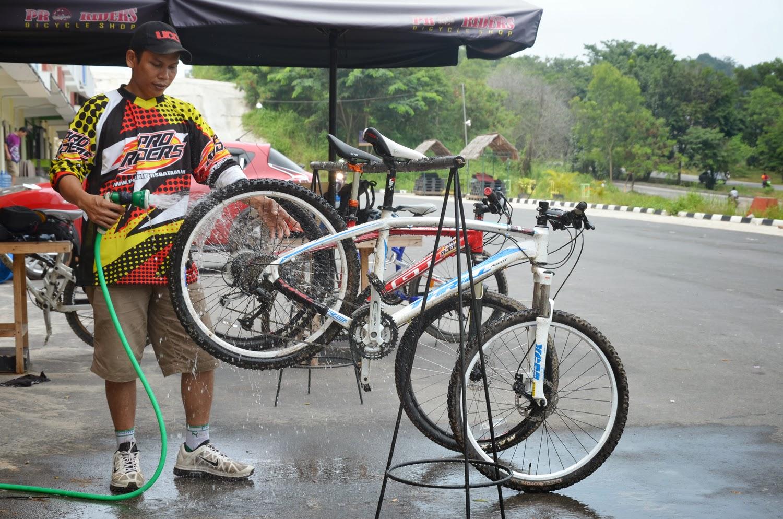 Tips Mencuci Sepeda Gunung Dengan Benar ~ Sepeda-Gowess