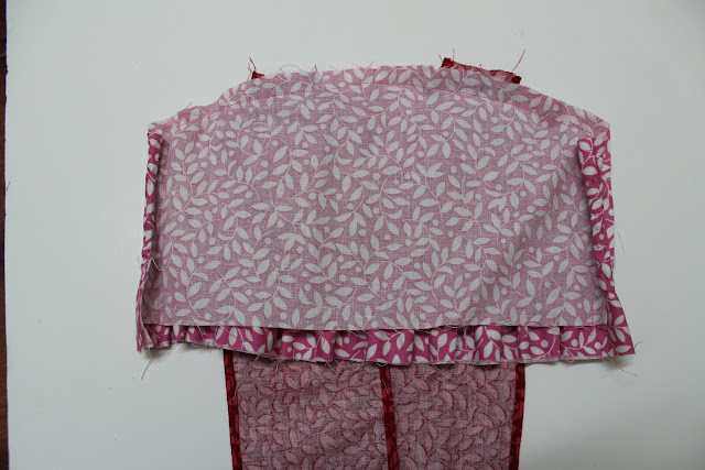 Cover with the inner layer of the bodice front