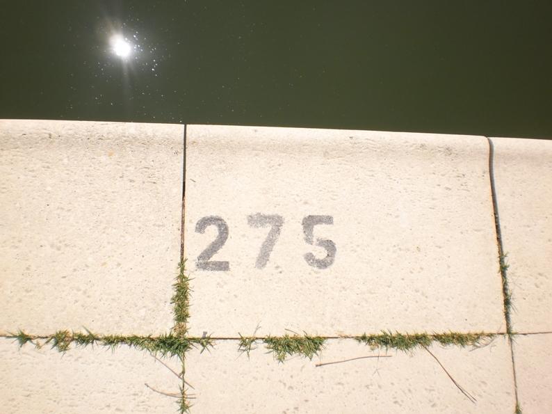 Profundidade da piscina fluvial - 2,75m e nunca menos