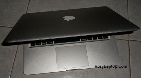 Apple Macbook Pro Core i5 13 inchi