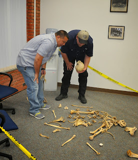 Officers learned to distinguish bones in the human skeleton.