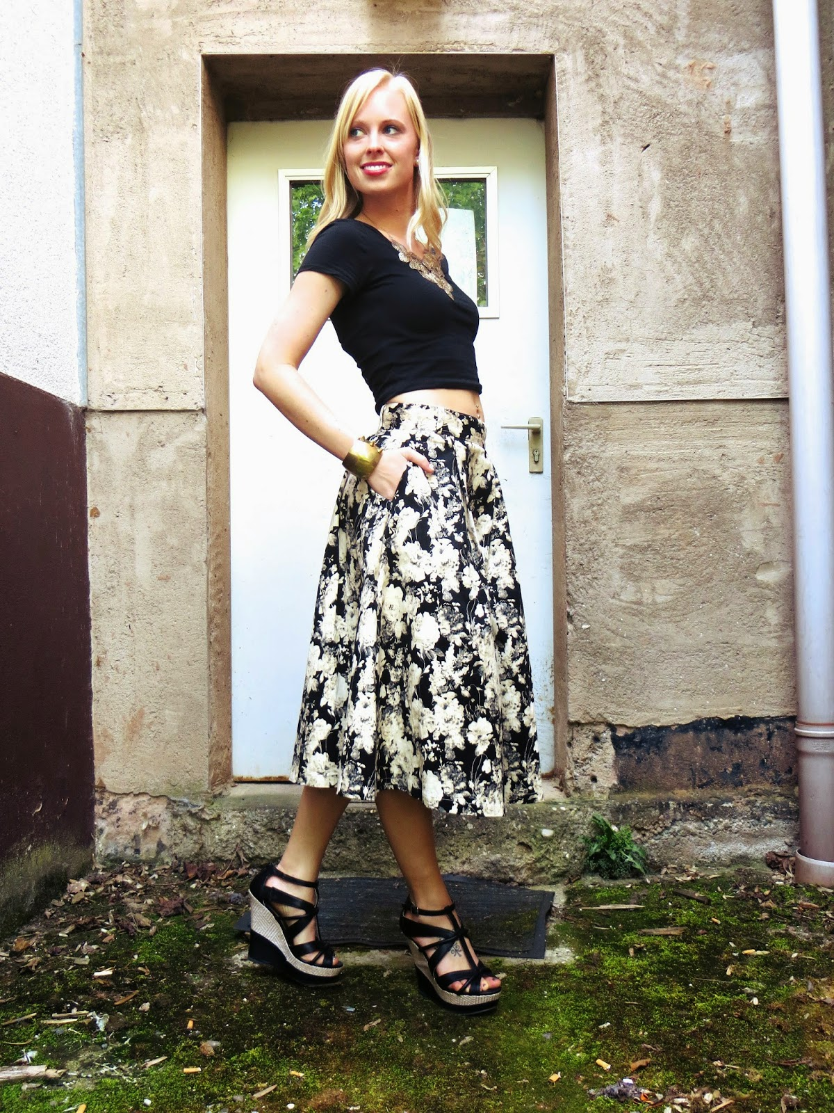 deb, deb shops, deb shops on me, #debshops, deb black crop top, floral skirt, chicwish vintage floral skirt, chic nova stud bracelet, summer outfit ideas, memorial day weekend outfit ideas, bbq outfit ideas