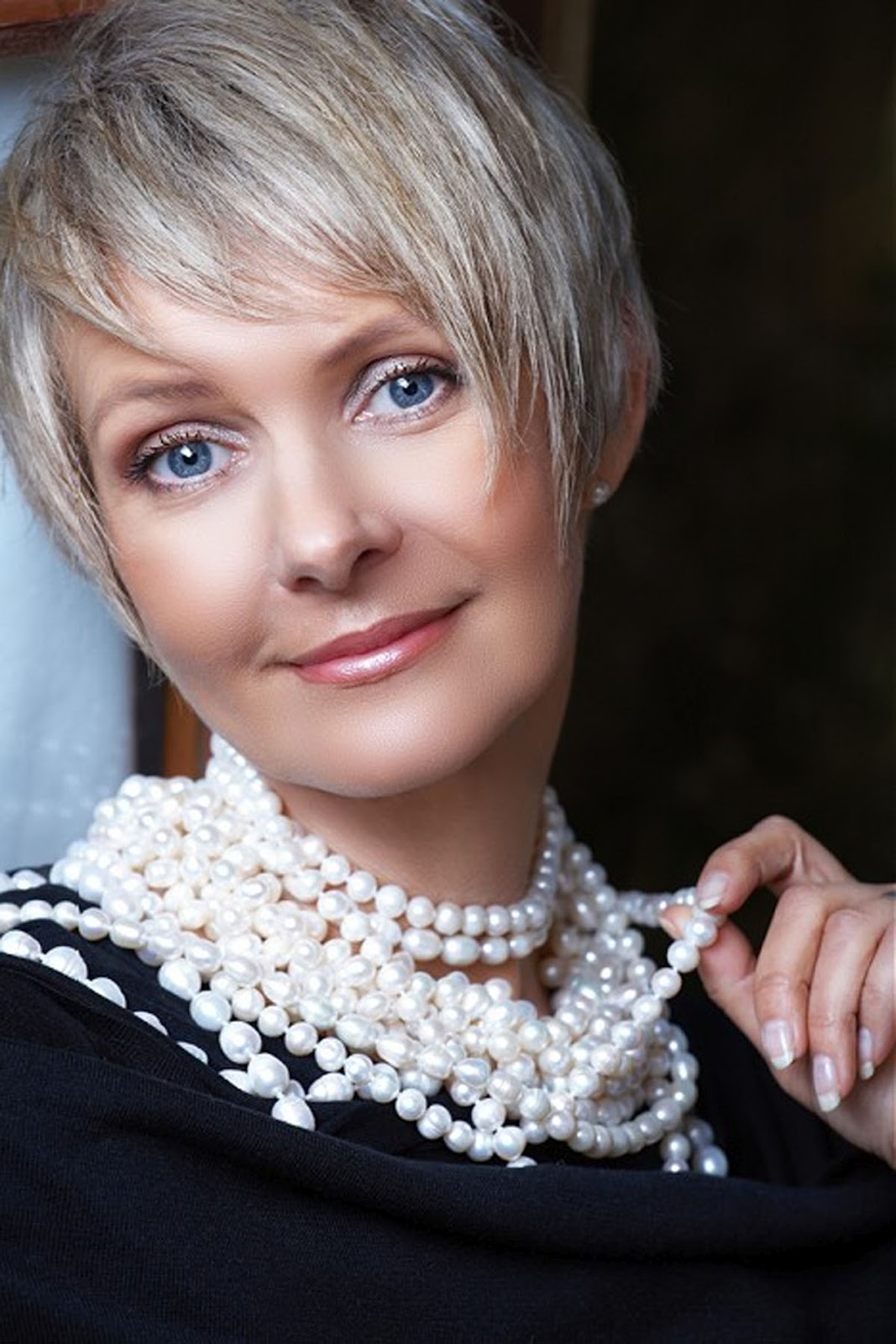 Short Hairstyles for Fine Hair Women Over 40