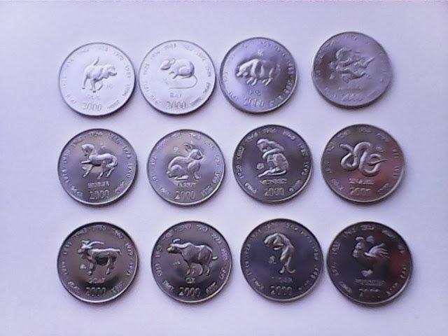 Фото иностранных монет и наборов