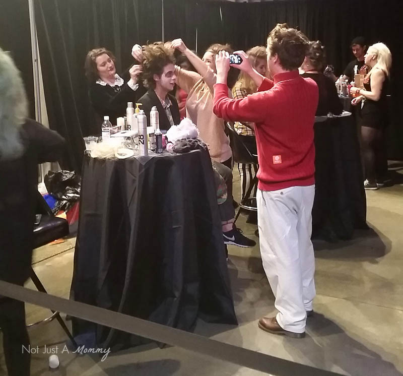 90's Fashionably Undead Prom At Seattle's EMP; makeup booth
