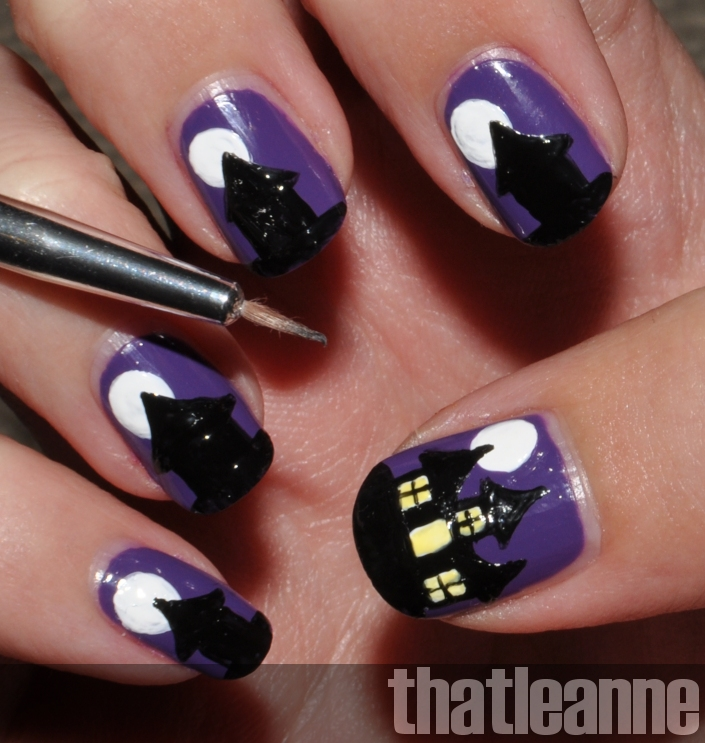 thatleanne: Spooky haunted house nail art for Halloween!