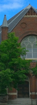 Exterior of Dundas St. United Church, rented Sunday evenings by the church whose service I attended. Photo by robg.