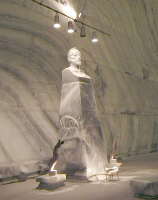 Decebal Statue carved in salt, Unirea Salt Mine