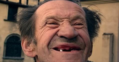 eoo50ylu: ugly person laughing