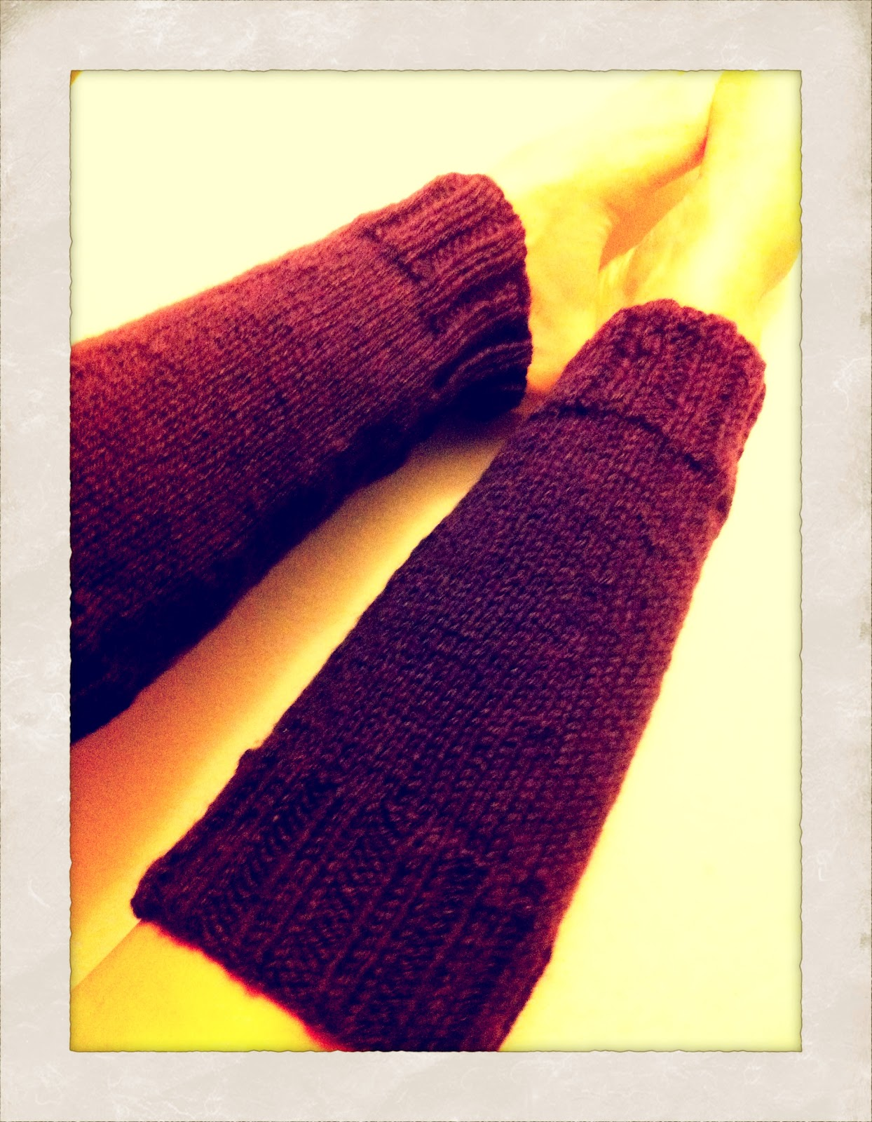 Knitting Leg Warmers Pattern : Civic Stitchings: My first knitting pattern... drumroll.... leg warmers!