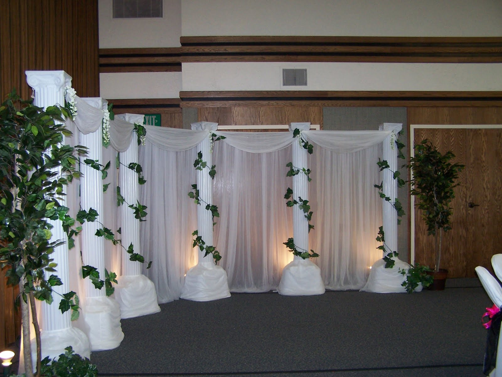 creative wedding and party decor backdrop choices