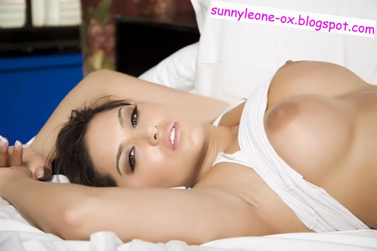 sunny leone naked body