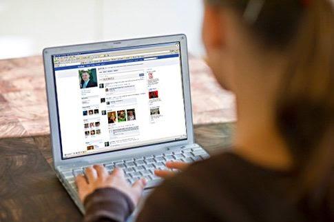 Facebook előtt is eltölthetsz órákat naponta zombiként görgetve le-fel
