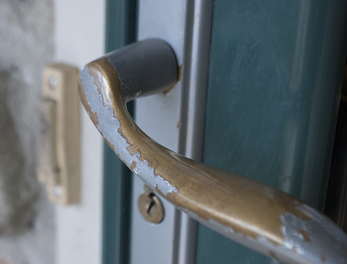 Hot To Remove Paint From A Storm Door