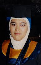 Ny. Lora Hamdarida