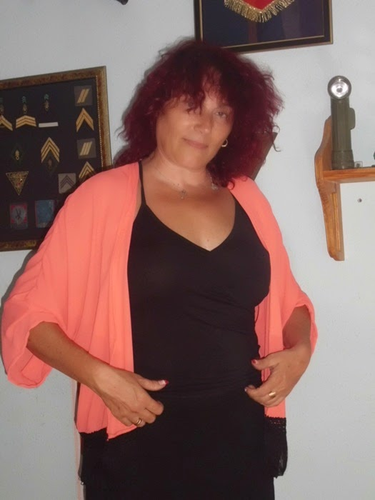 blusa naranja con flecos