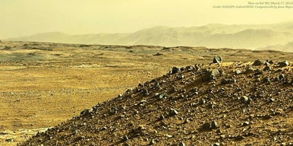 Panorama Sore Hari di Planet Mars