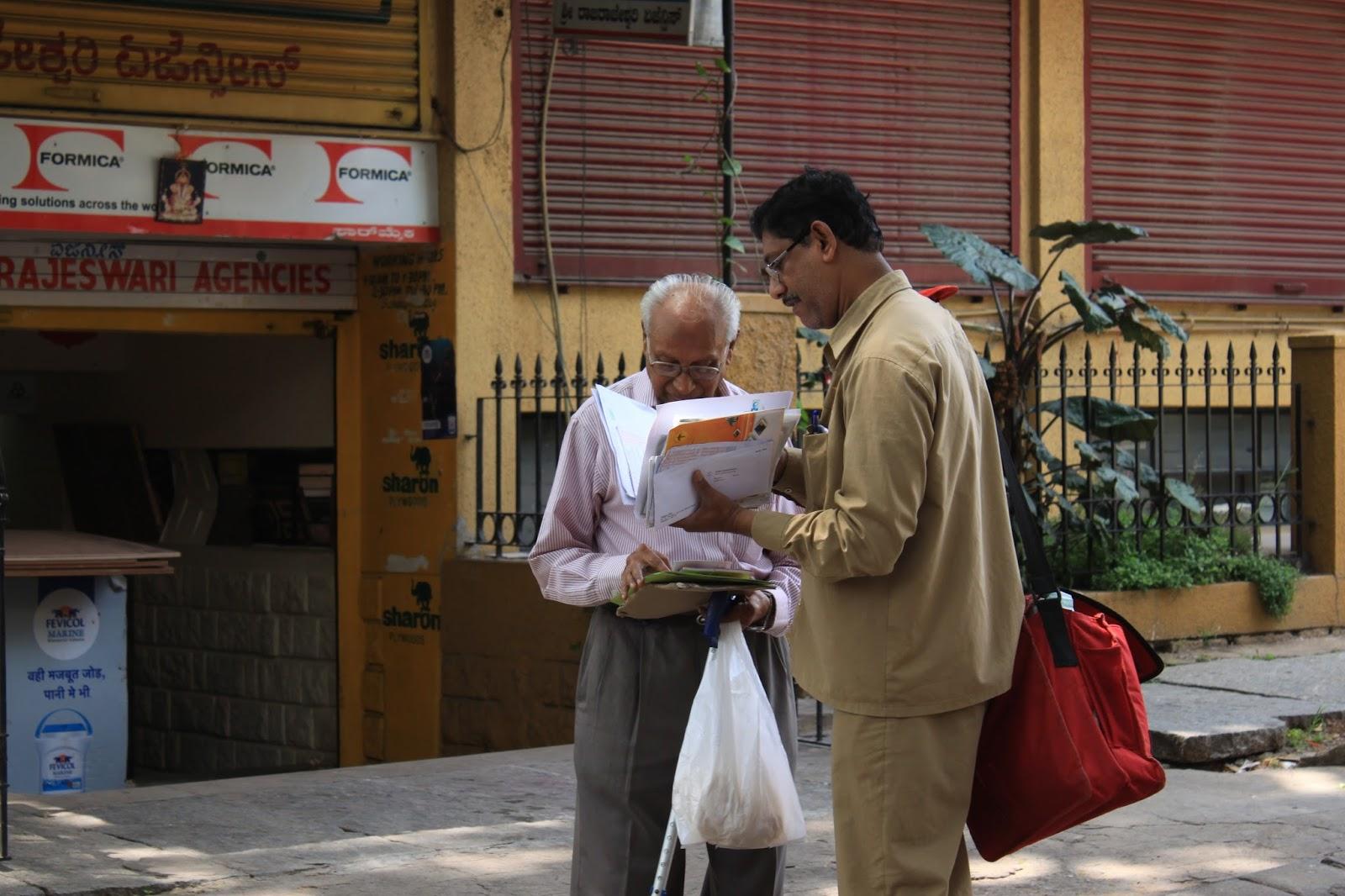 Indian Postman Delivering Letters Wwwpixsharkcom