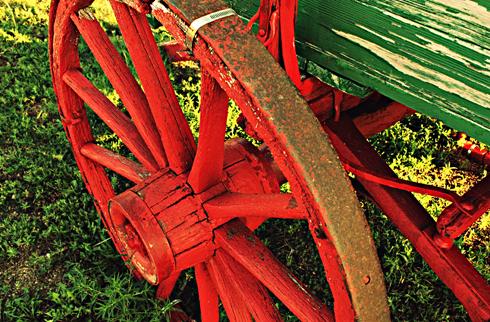wagon wheel medicine hat alberta photography