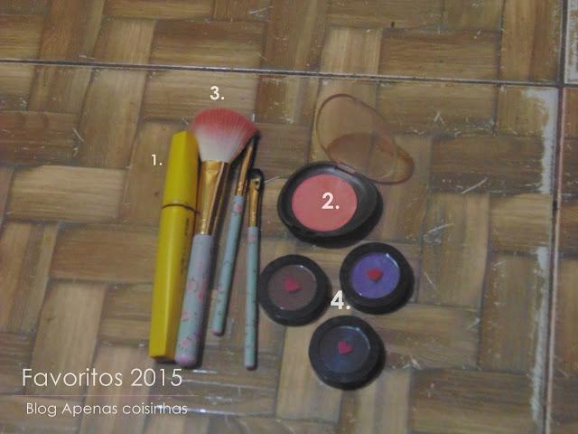 apenas coisinhas makeup