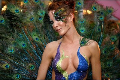 Artist Body Painting Women Without Clothes