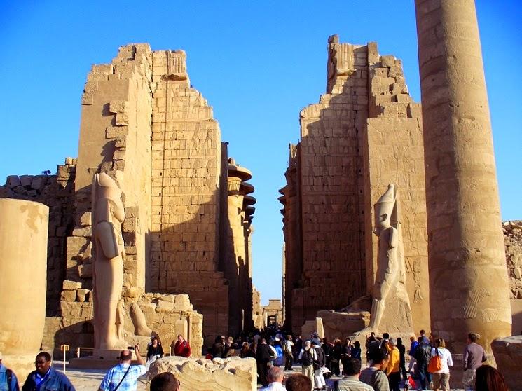 Kuil-Karnak-di-Mesir