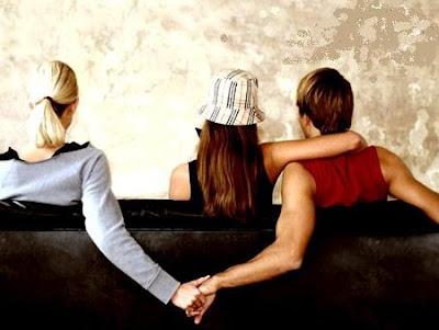 pasangan+curang billyinfo3 6 Jenis Wanita Yang Mudah Ditipu Lelaki