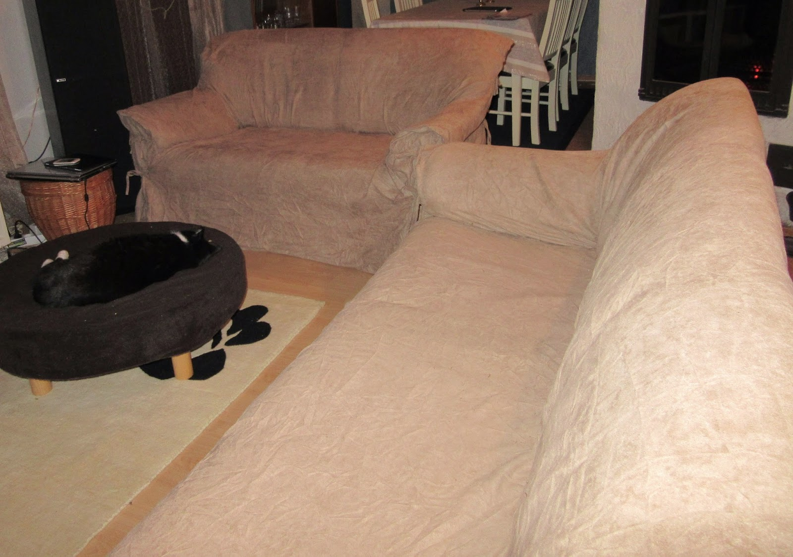 Light brown covers on sofas