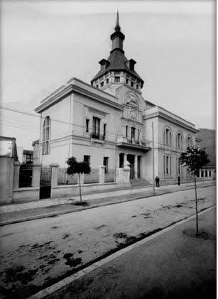 Escuela de COMERCIO / 1974