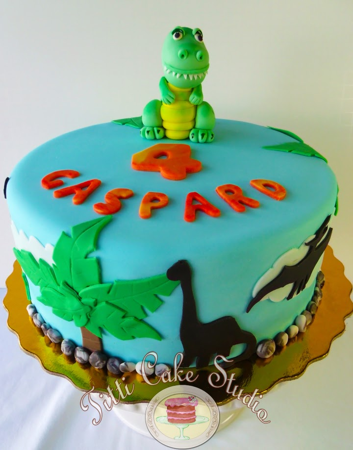 Dinosaur Cake Accessories : Titti Cake Studio: Dinosaur Themed Cake